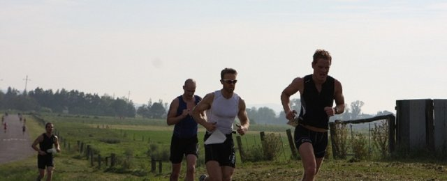 runners enjoying the countryside2
